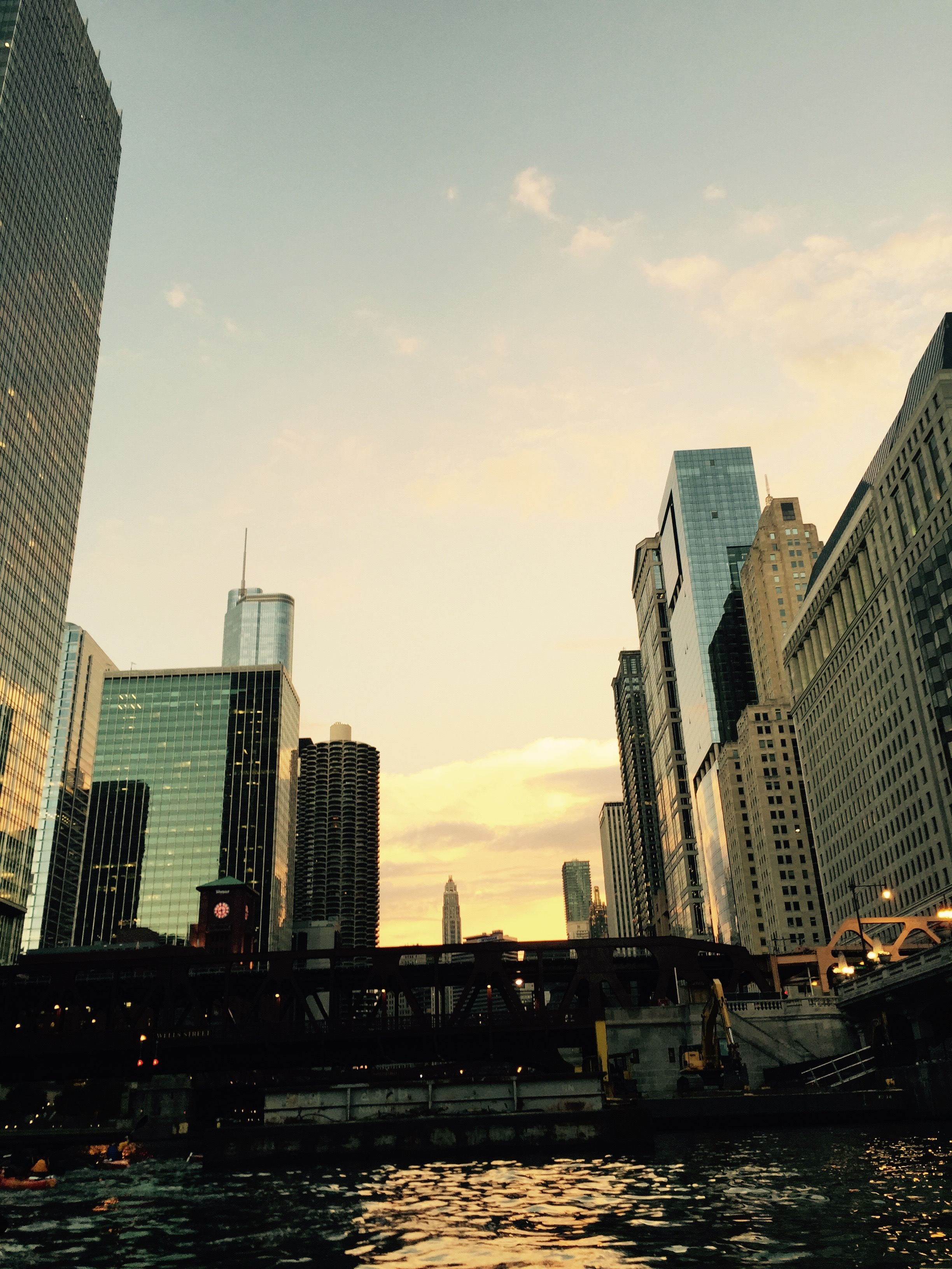 Ghosts and Gangers Kayak Tour Chicago